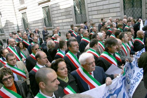 Da Berlusconi a Monti:Gli effetti delle manovre 2010/2011 sulle entrate dei comuni Capoluogo di Provincia