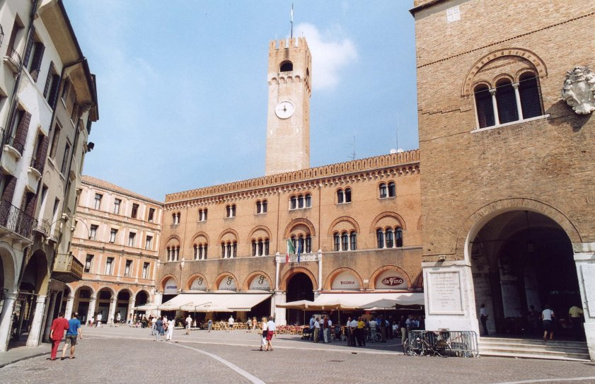 Da Berlusconi a Monti: Gli effetti delle manovre 2010/2011 sulle entrate dei comuni della Provincia di Treviso