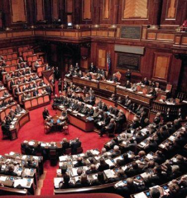 COSTI DELLA POLITICA : CON L'ELIMINAZIONE DEI VITALIZI CAMBIA RADICALMENTE LO STIPENDIO DEI PARLAMENTARI